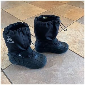 Other - Black kids snow boots